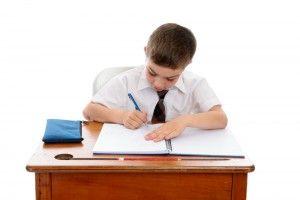 Как сделать столик для ребенка своими руками
