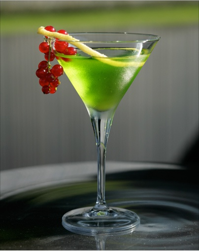 by Andrea Camazzola, Caffe Ponte Vecchio, Bassano del GrappaIngredients 20ml Aquavite di Vinaccia Riserva – Grappa Riserva30ml Nardini Acqua di Cedro Liquer20ml melon liqueur10ml lime juice20ml kiwi juice Twist of lime peel and redcurrants, to garnishPreparation Pour the ingredients in a shaker with ice and shake. Serve in a cocktail glass. Garnish with a twist of lime peel and redcurrants.