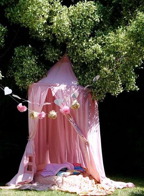 Love this homemade tent. Perfect for day camping.