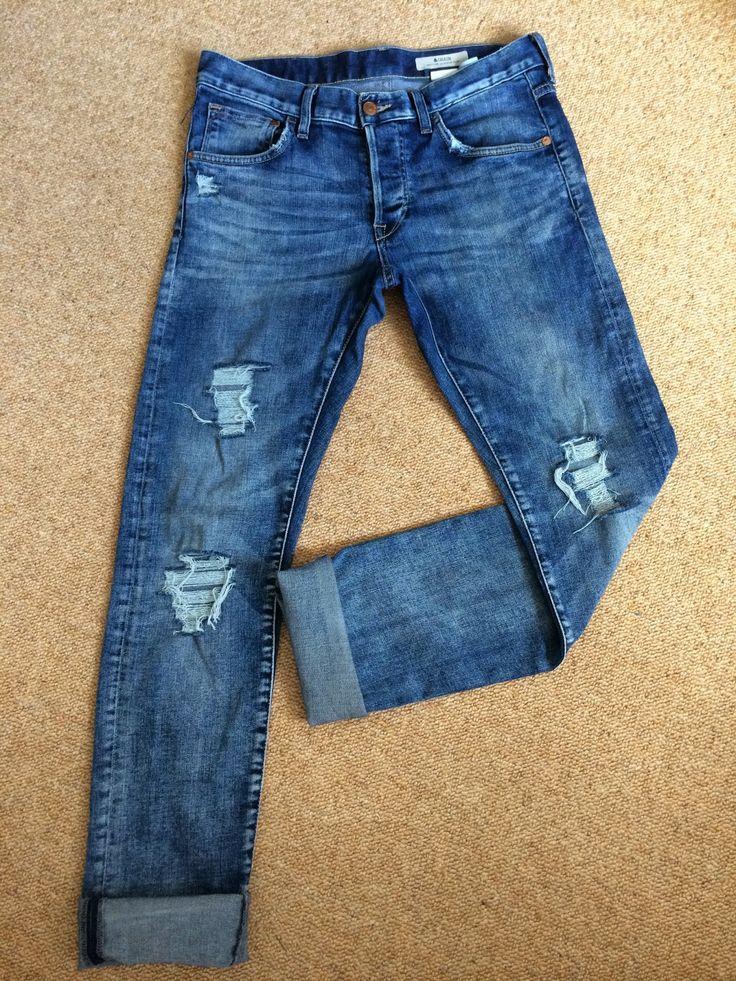 DIY ripped distressed boyfriend jeans. Video Tutorial. http//etralalondon.blogspot.co.uk/2014 ...