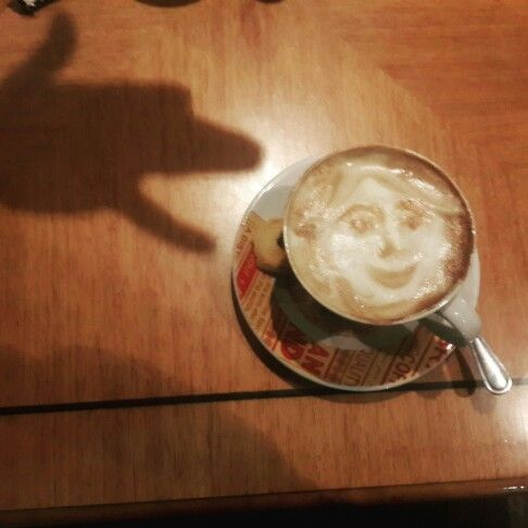 Latte art and shadow puppet