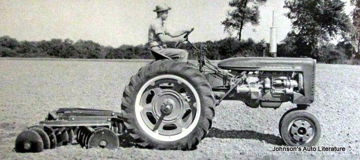 IH McCormick 1955 Farmall 200 Tractor Sales Brochure