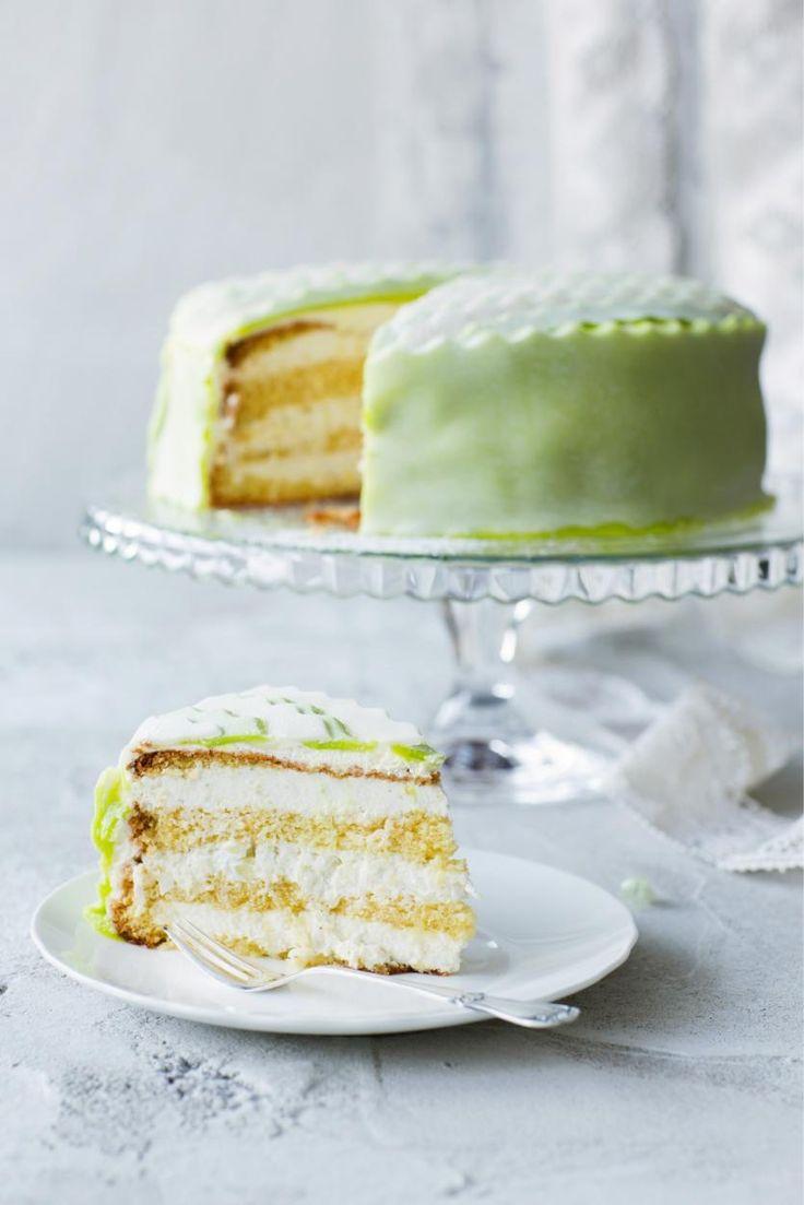 Täältä löydät parhaat täytekakkuohjeemme sekä vinkit kakkupohjan leipomiseen, kakun täyttämiseen ja koristeluun. Leivo elämäsi paras täytekakku!