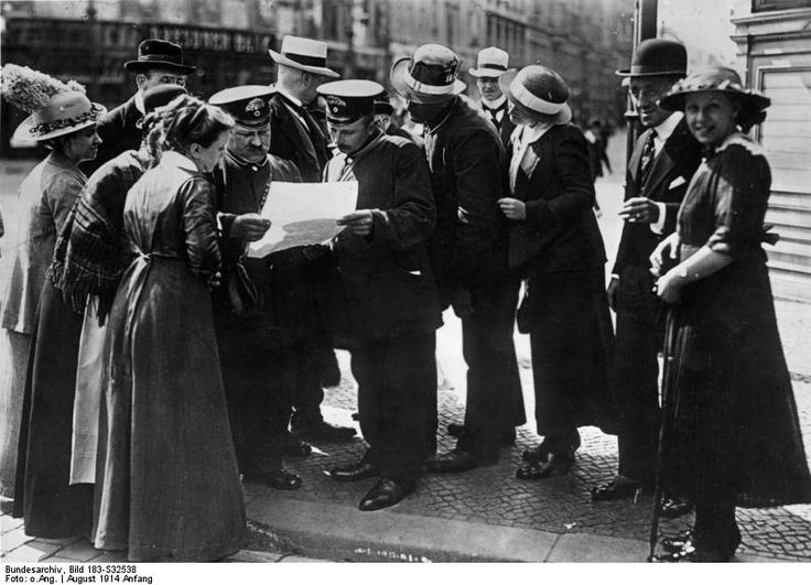 Bundesarchiv Bild 183-S32538, Berlin, Extrablatt - Erster Weltkrieg – Wikipedia