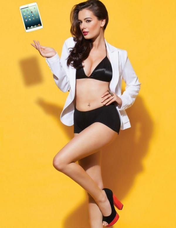 Evelyn Sharma HOT Wallpapers