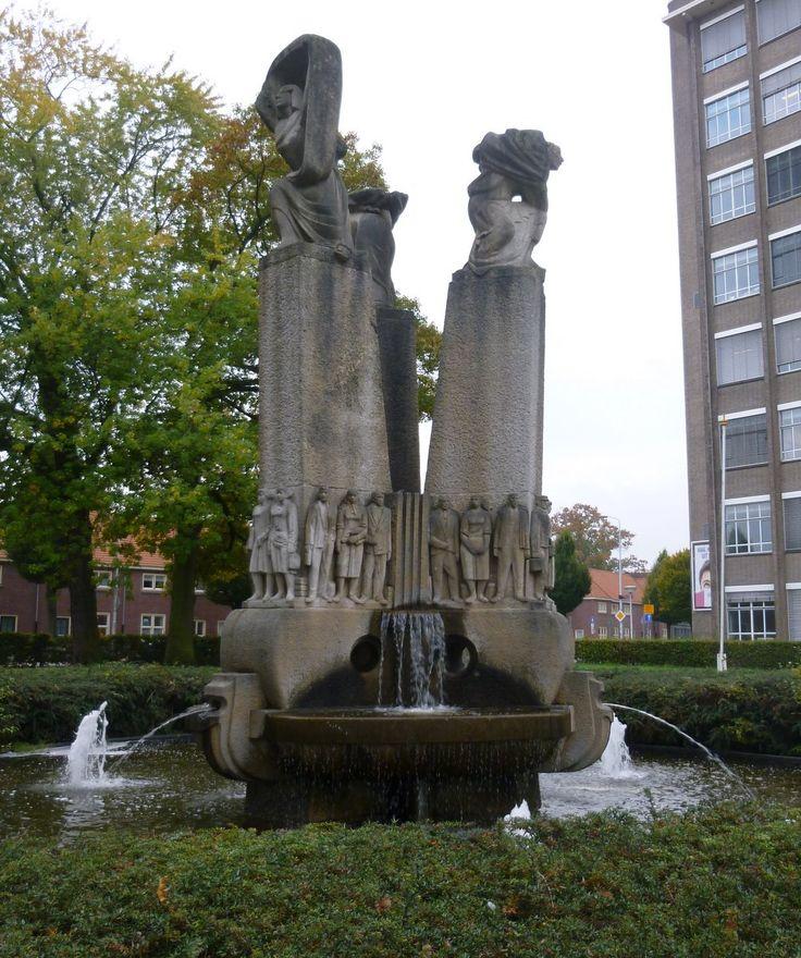 Eindhoven De Fontein Panta Rhei (ook wel jubileummonument De Roep - Het Licht - Het Schouwen genoemd) is gebouwd ter gelegenheid van het 60-jarig jubileum van Philips