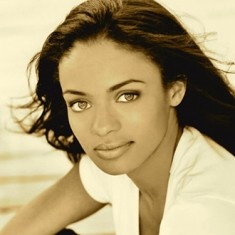 Kandyse McClure is a Canadian actress best known for her roles in the television shows Battlestar Galactica, Persons Unknown, the new Netflix series Hemlock Grove, and much more. When not on set and immersing herself in her character and enjoying every moment, Kandyse works at developing her other talents. She sings, dances, plays the guitar and is an avid reader.