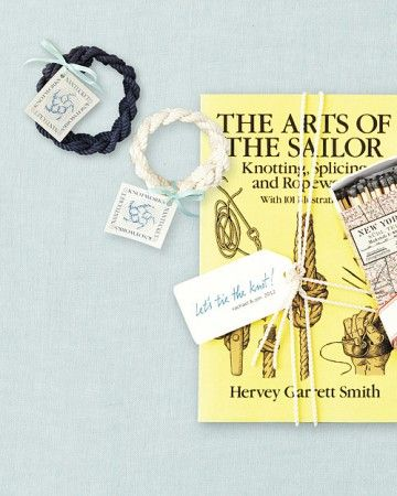 Salute nautical Nantucket and Cape Cod or other coastal areas by adorning sailors' rope bracelets or a book of knots with our favor tags.