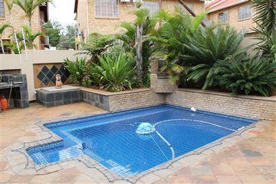Outdoor livingEntertainment area (Covered), Pool (Inground), Garden, Braai area, Deck / patio
