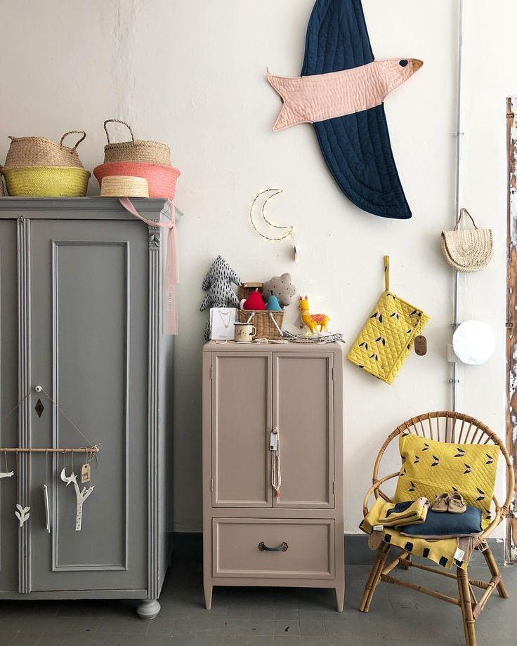 Quelques belles couleurs … je vous souhaite une bonne journée! #tutuettata #vintageshop #vintagefurnitu …  – antikes Kinderzimmer