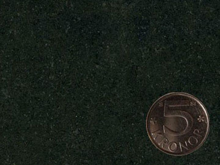 Bänkskiva i mörk granit från CGK Stenhuggeri