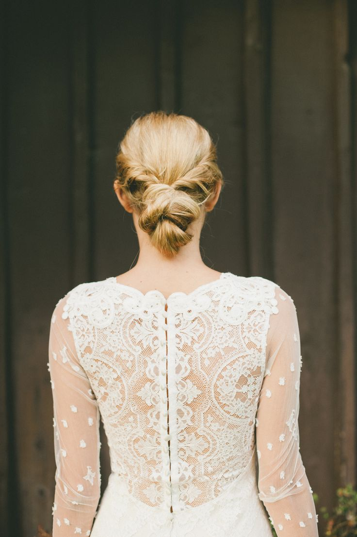 Claire Pettibone 'Lily' wedding dress featured on Style Me Pretty Photo: Onelove Photography http://www.clairepettibone.com/lily