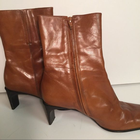 """Nine West boots Nine West """"Belalao"""" camel boots.  Minor wear, but fantastic condition! Nine West Shoes Heeled Boots"""