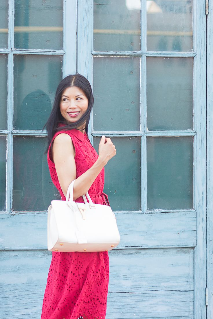 Red eyelet summer dress from @123modefemme.  Great for work and play.