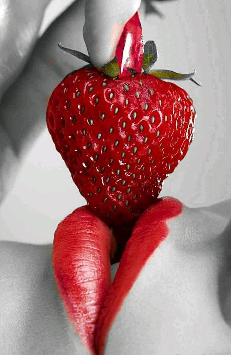 это картинка красные губы и клубника даже таком