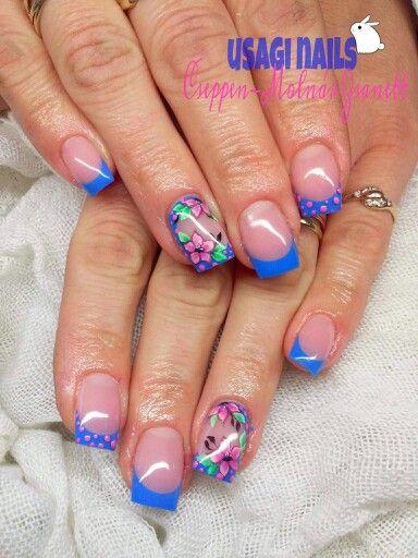 Summer blue nails