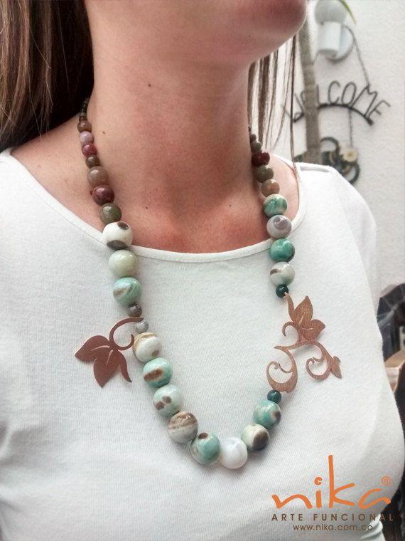 Mira este artículo en mi tienda de Etsy: https://www.etsy.com/listing/270331772/beaded-necklace-silver-necklace-flower