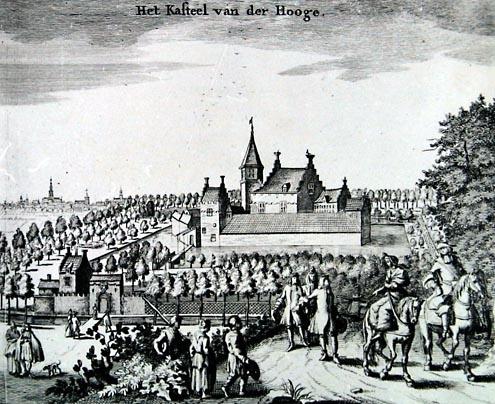 Ter Hooge was aanvankelijk een kasteeltje met meerdere gebouwtjes waar een slotgracht omheen was gegraven. Afbeelding uit de Cronyck van Smallegange, 1696 (Beeldbank Zeeland)