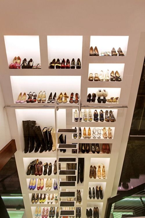 small walk in closet ideas could be so useful for a limited space usage homes have look at these cool small walk in wardrobe design ideas just fit to your