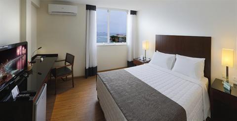 compare.amazingvacationstoday.com - Orla Copacabana Hotel