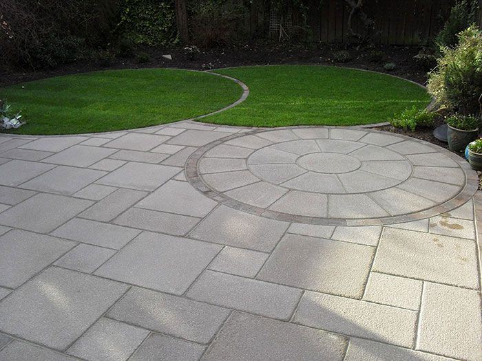 Flaggst ngsfundament paving pinterest paving ideas for Garden designs with stone circles