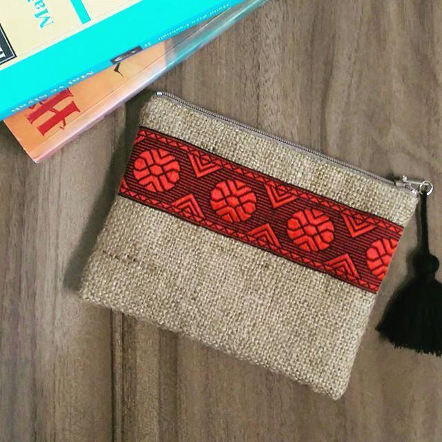 Jüt kumaş çanta  Astarlı,iç cepli  Fiyat:30 TL  #elyapımı #elemeği #handmade #dikiş #jütkumaş #tasarım #clutch #bag #aksesuar #kumascanta #çanta #jütçanta #çuvalbezi #elçantası #handbag #handmadebag #antalya #accessories #moda #fashion #tasarım #design #designer #stitch #etnik #bohemian #bohem #authentic #authenticbag