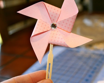 {Pinwheel Cupcake Toppers Tutorial} - Collective Bias, cupcake toppers, Elmer's, pinwheel cupcake toppers, pinwheels, Rags to Stitches, tutorial, X-TREME glue - Rags to Stitches