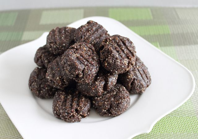 Raw brownie bites--These are made with prunes but are supposed to ...