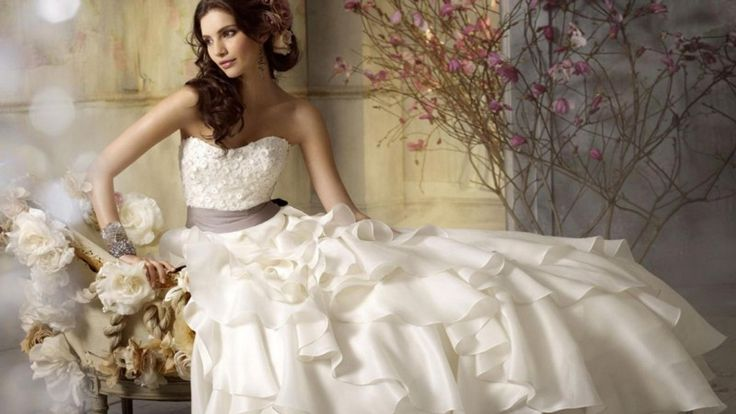 What Can You Do With Your Wedding Dress After The Wedding? #WeddingGowns #Weddingdresses