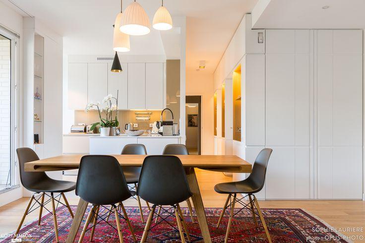 Une salle à manger contemporaine pour ce 90 m2 carré situé Paris 15 - réalisation Sophie Laurière