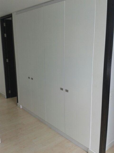 Closets modernos  para todos los espacio encuentralos en www.galeriatendencias.com informes 3124749454