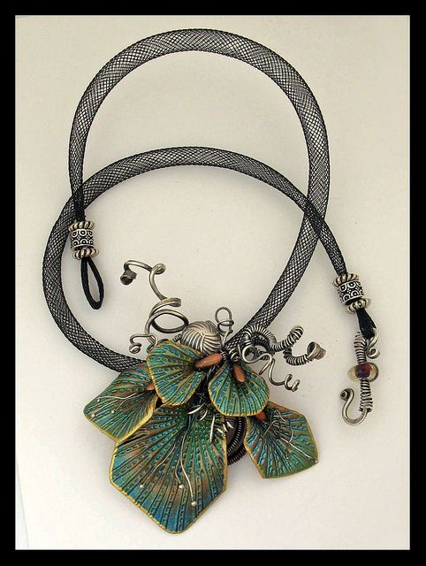 neckless mesh cord and metal
