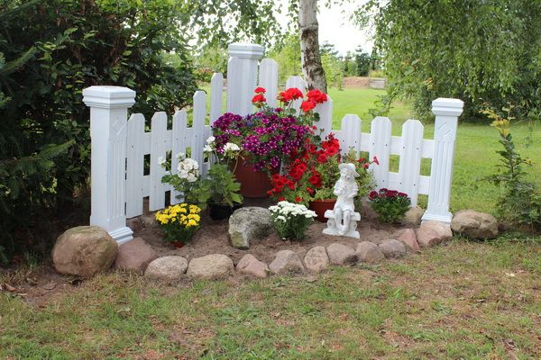 Awesome Garden Landscaping Ideas For Small Gardens: Kleine Zaunecke, Little Fence Corner