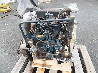 KUBOTA F2000 TRACTOR MOWER KUBOTA DIESEL ENGINE 3500 HOURS