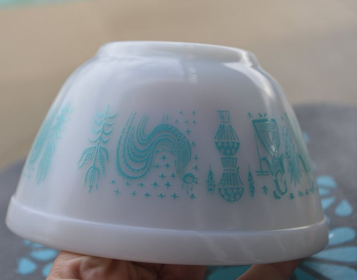 Vintage Pyrex Nesting Bowl,  Butterprint Amish, 401 nesting bowl, 1 1/2 pint, smallest- retro kitchen, turquoise on white, 50s kitchen by Nuttygalsvintage on Etsy