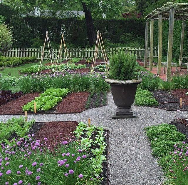 43 best images about gardens on pinterest gardens ina garten and wisteria - Ina garten garden ...