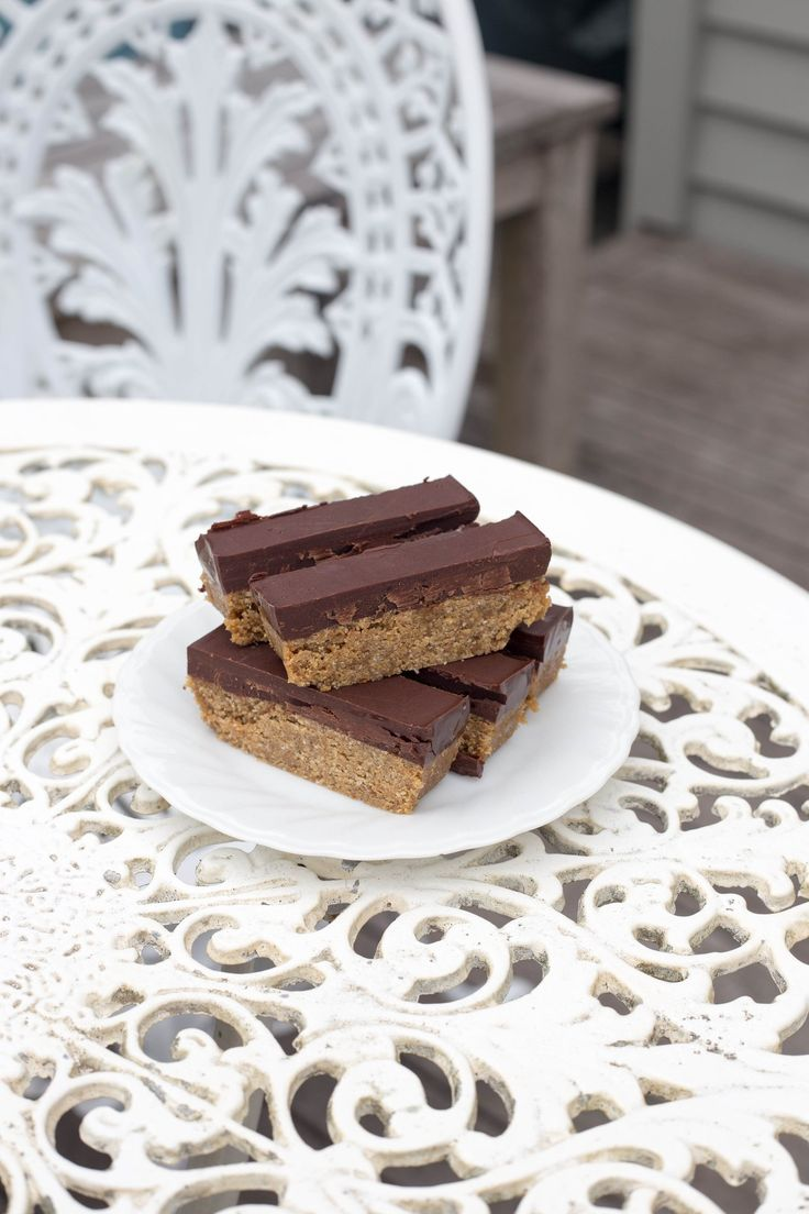 CHOCOLATE PEANUT BUTTER BARS #vegan #vegetarian #dairyfree #glutenfree #sugarfree #nutfree #eggfree #healthy #recipe #begoodorganics