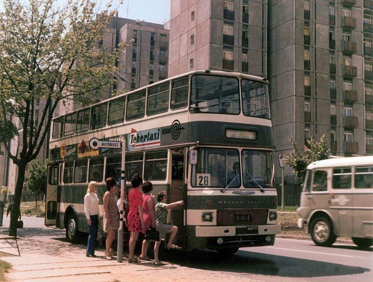 1970-es évek. A pécsi emeletes Ikarus 556-os. 1976-ig közlekedett