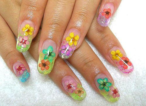 Flower Nail Designs 2013: Flowers Nail Design Color ~ ideasfornailart.com Nail Designs Inspiration