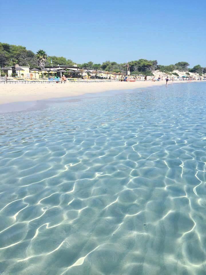 Spiaggia meravigliosa di Torre Lapillo / Salento / Italia