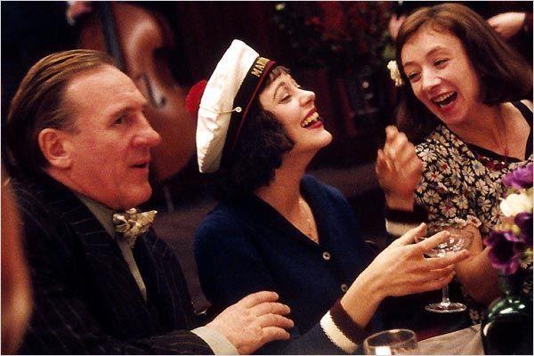 """""""La Môme"""" d'Olivier Dahan, programmé le 08/08 à 21h30  http://www.forumdesimages.fr/les-films/les-programmes/cinema-au-clair-de-lune-2015/la-mome"""