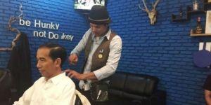 Heboh Video Jokowi Cukur Rambut di Salon Gaul