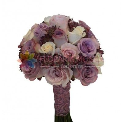 Buchetul este alcatuit din trandafiri albi, trandafiri, mov, trandafiri roz, verdeata si accesorii.