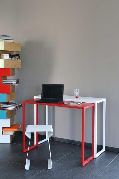 Table coulissante BRIZ, Acier, Matiere Grise. #rouge #blanc #mobilier #metal #acier #indoor #design #side table #matieregrise #photo credit Pierrick Verny