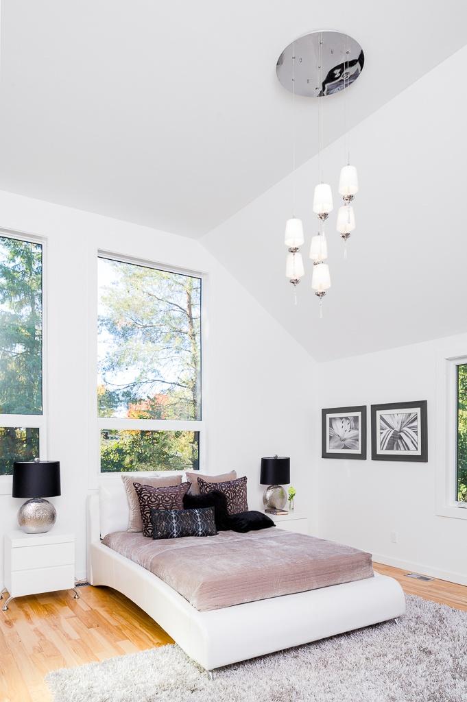 260 Crestview  - Master bedroom (500 square feet)