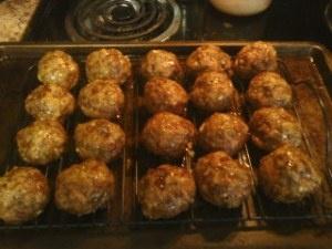 AH-MaziNG spaghetti and meatballs. I pinned it for the balls! It's all about the balls...Spaghetti And Meatballs, Ahs Maz Spaghetti, Spaghetti Sauces