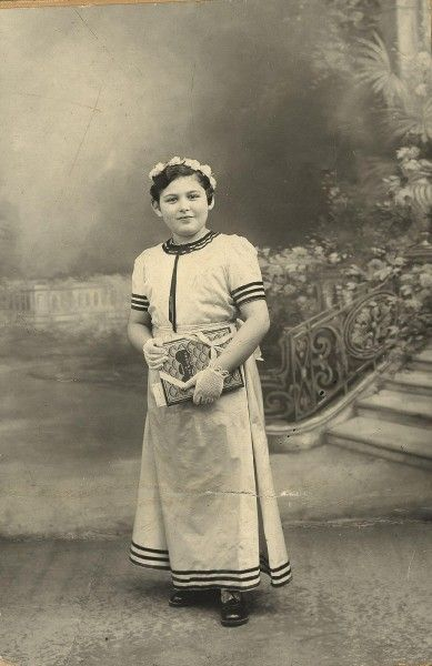 Paris, France, 1942 13-year-old Tauba Szmukler was deported with her mother from the Drancy camp in France on February 11, 1943. She perished in Auschwitz.