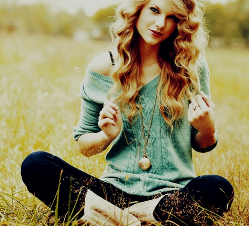 One Of My Favorites!Senior Pictures, Taylor Swift, Fashion, Taylorswift, Style, Beautiful, Taylors Swift, Cute Outfit, Hair