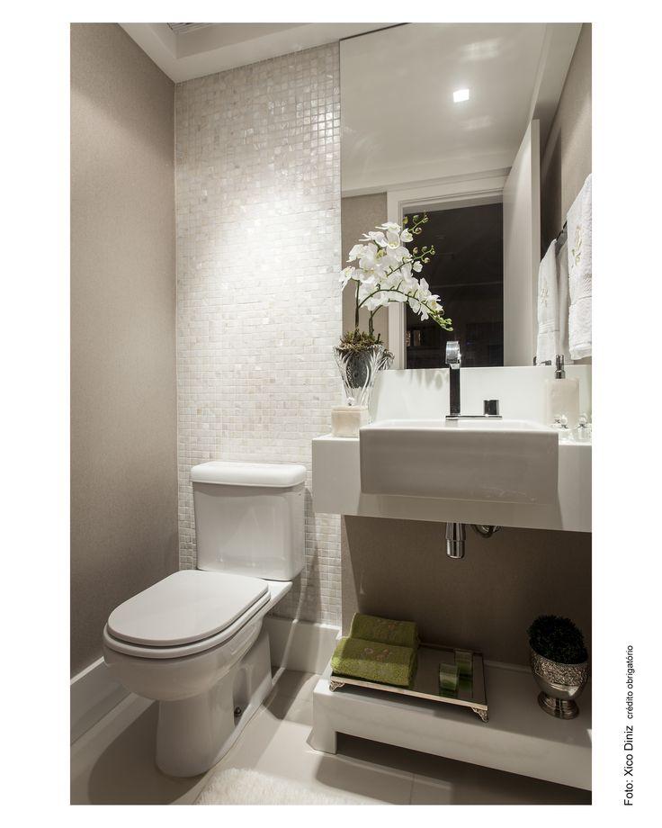 pastilhas peroladas  • interior • banheiros  Pinterest  Beige walls, Princ -> Armario De Banheiro Vazado