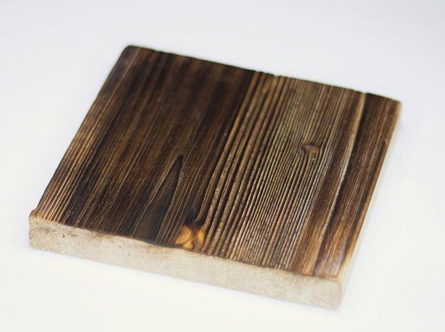 Neues Holz so richtig alt aussehen zu lassen, ist ganz einfach. Eine Einführung wie Holz künstlich auf alt getrimmt werden kann. Holz künstlich altern lassen